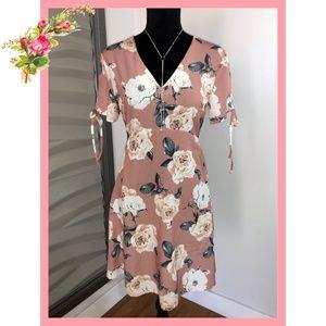 🌸 Atmosphere Short Sleeve Floral Dress